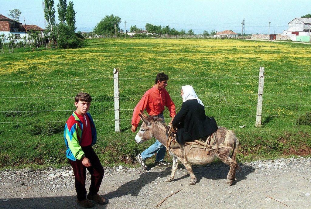donkey-woman-alb