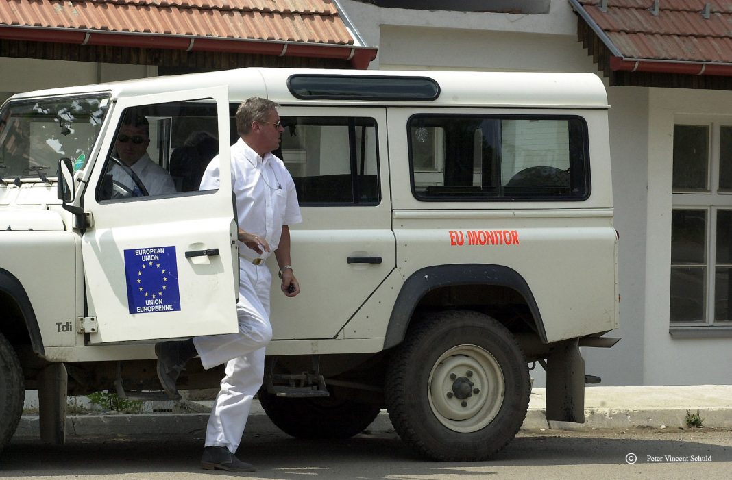 eu-monitors-kosovo
